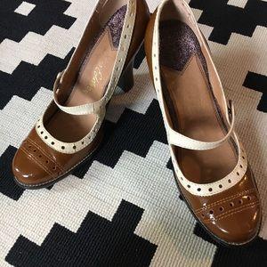 Retro Saddle Shoe Heels